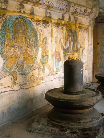 occidor-ltd-shiva-lingam-in-10th-century-temple-of-sri-brihadeswara-thanjavur-india